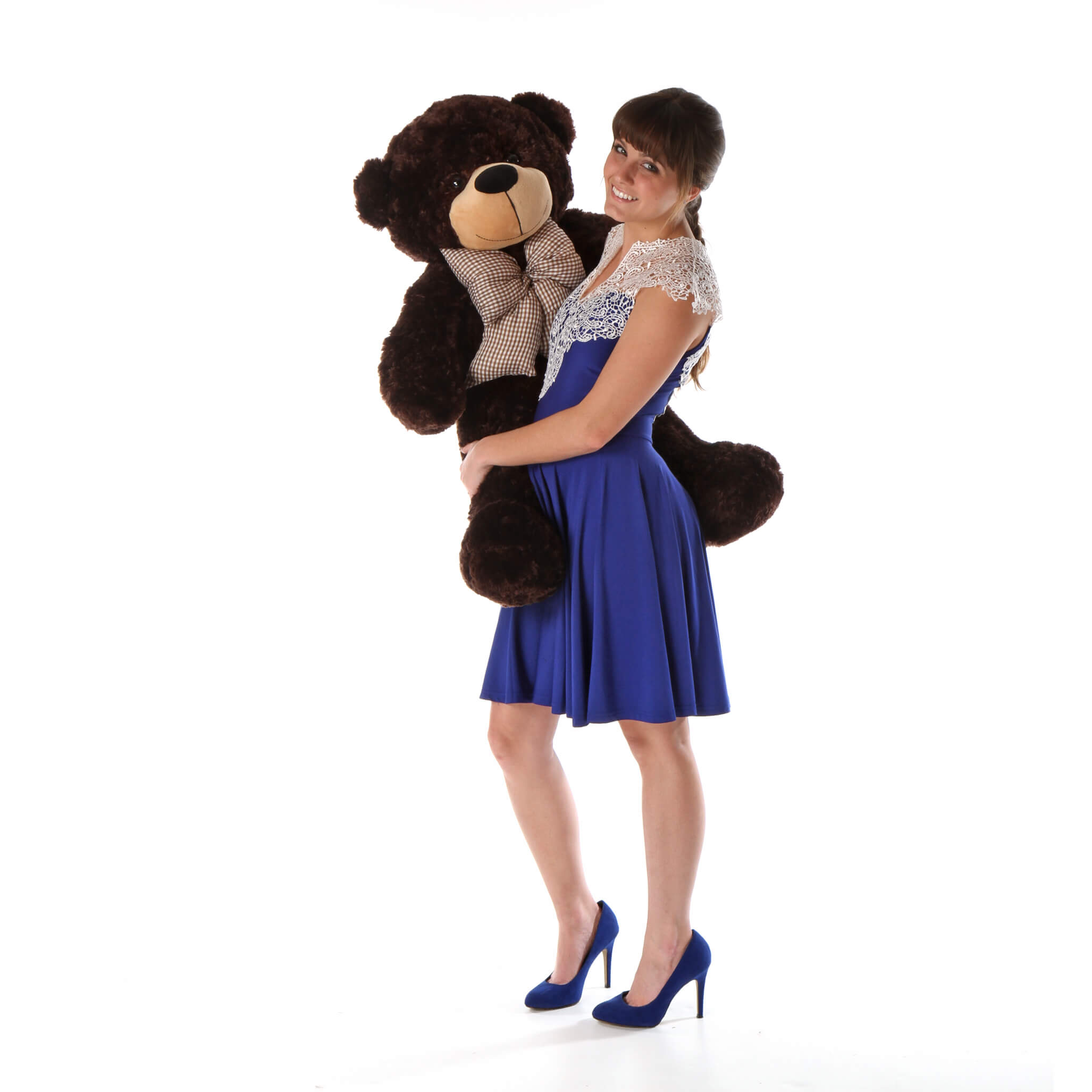 over-3ft-tall-teddy-bear-brownie-cuddles-is-so-soft-and-cuddly-and-perfect-for-someone-you-love.jpg
